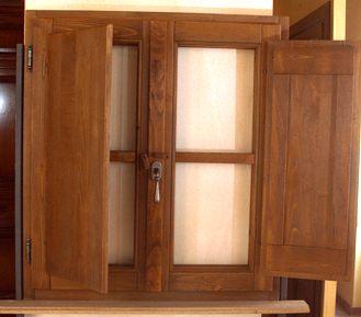 Finestre serramenti franchi falegnameria albareto for Finestre di legno